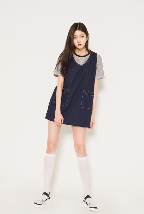 Sleeveless Dress With Slit Pocket