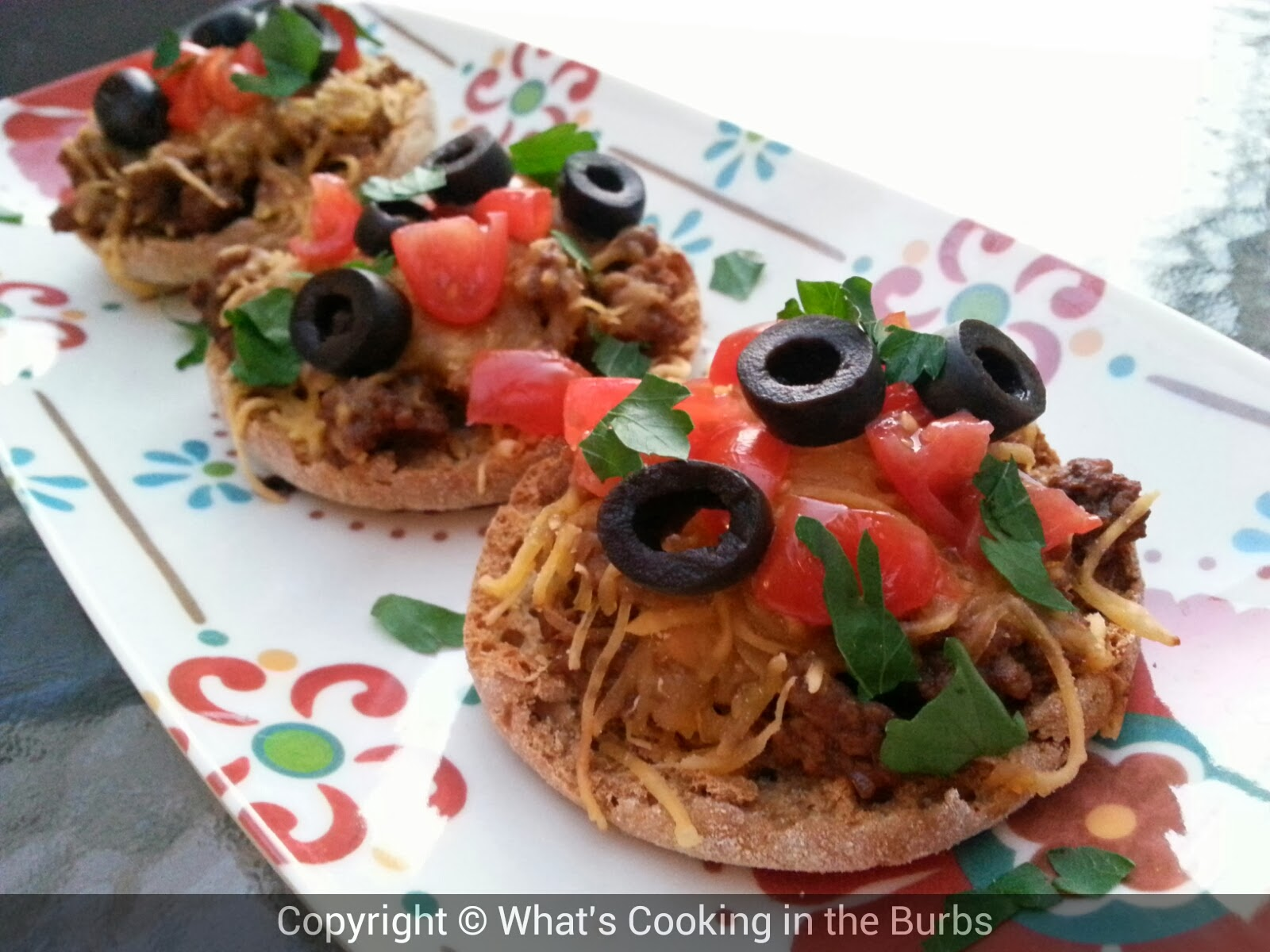 What's Cooking in the Burbs: Mini Mexican Pizzas