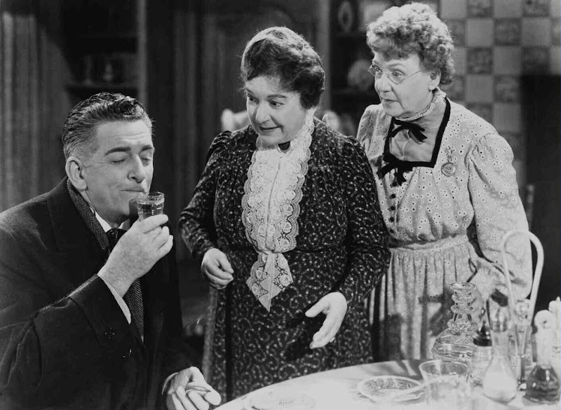 murder and insanity in the movie arsenic and old lace Parents need to know that this popular golden-age-of-hollywood comedy  concerns multiple murders and madness, but without anything graphic shown.