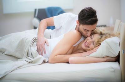 Suami Istri Yang Bahagia Memiliki Kebiasaan Seks Ini
