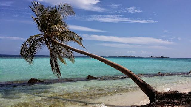 Bonitas tonalidades de azul en Maldivas