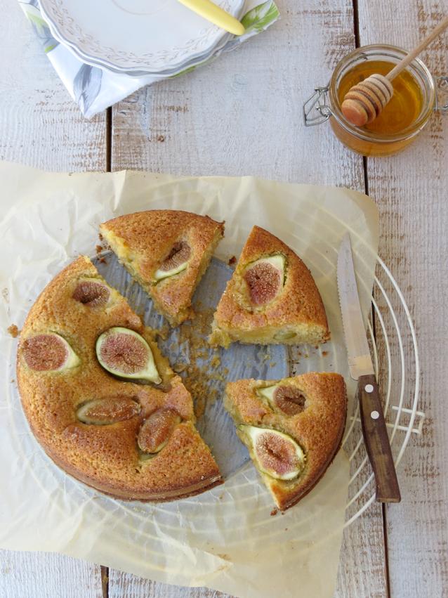 bolo de amendoa e figos
