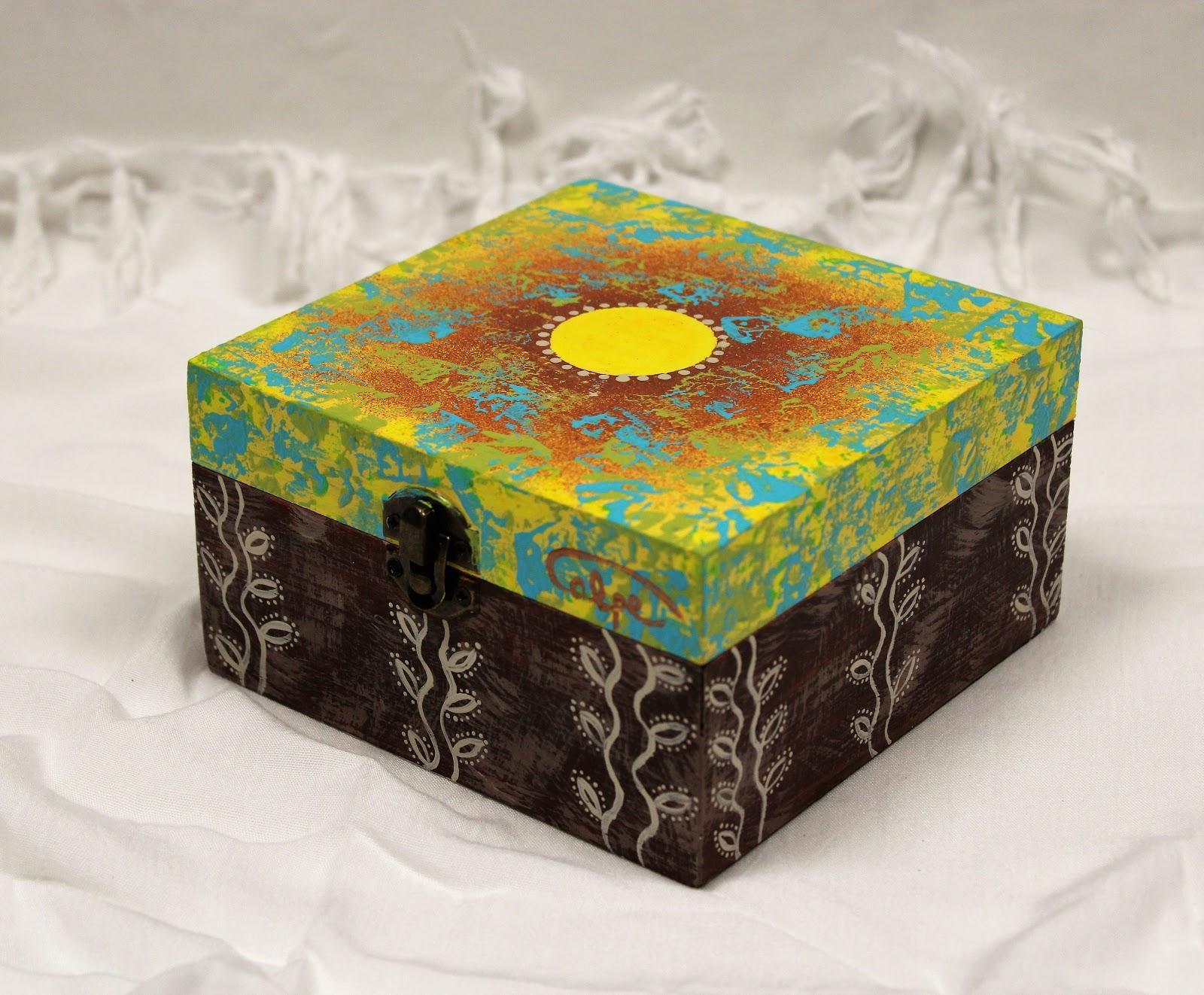 Fotos de cajas de madera pintadas a mano 7