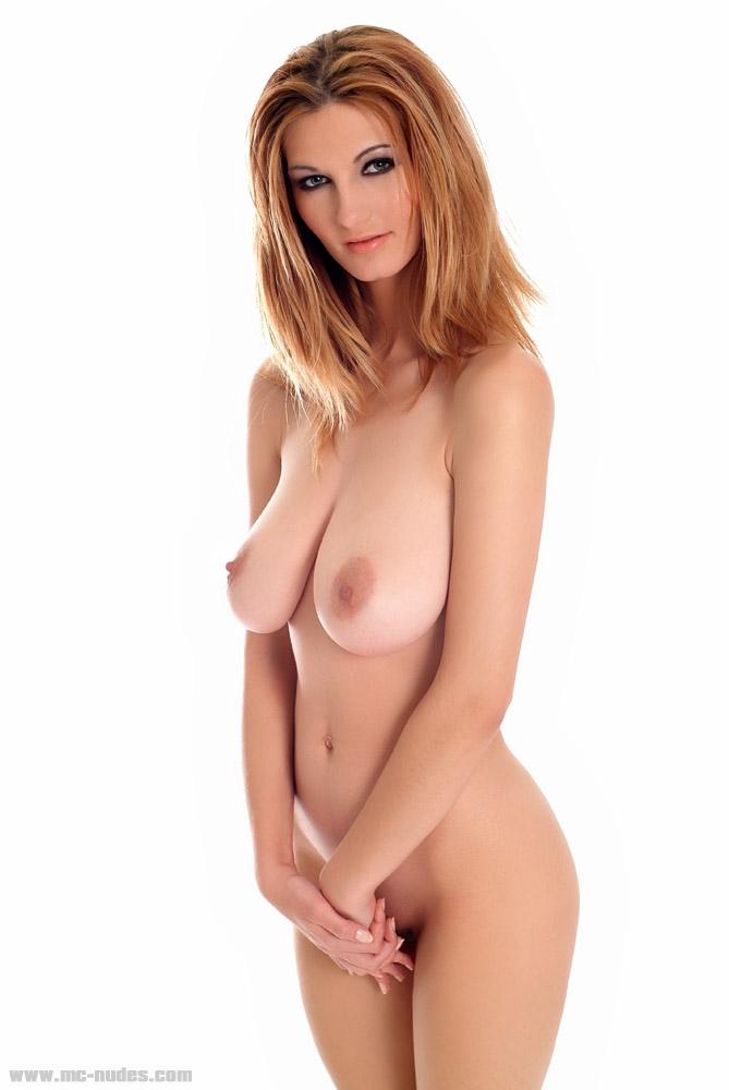 Guapa Rubia Desnuda Tetona Con Senos Grandes Muy Peludita En