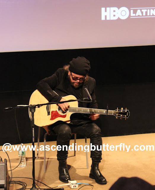 Carlos Varela Surprises Guests with an Impromptu Acoustic Performance!