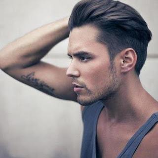 gaya rambut undercut bagian kiri