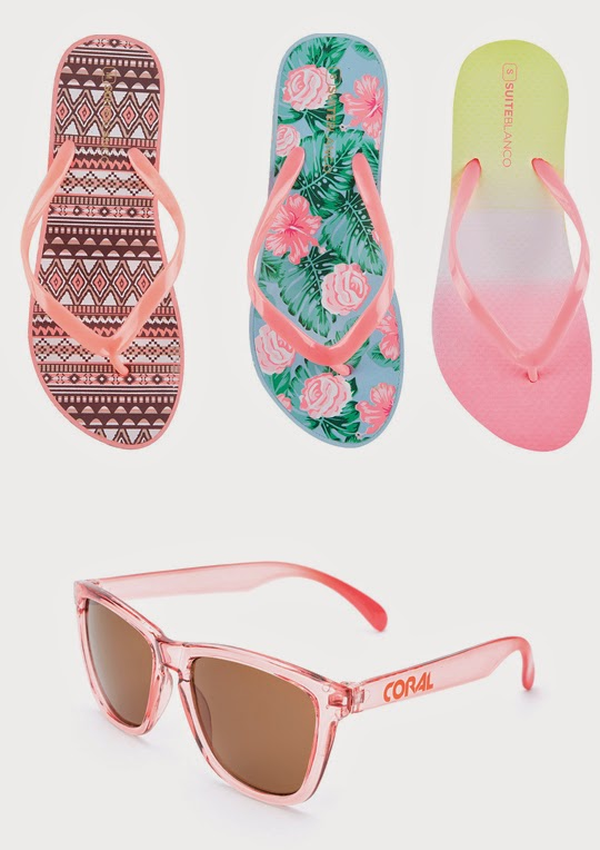 Flip flops y coral sunglasses