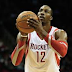 Diwght Howard anota su primer triple como Houston Rocket