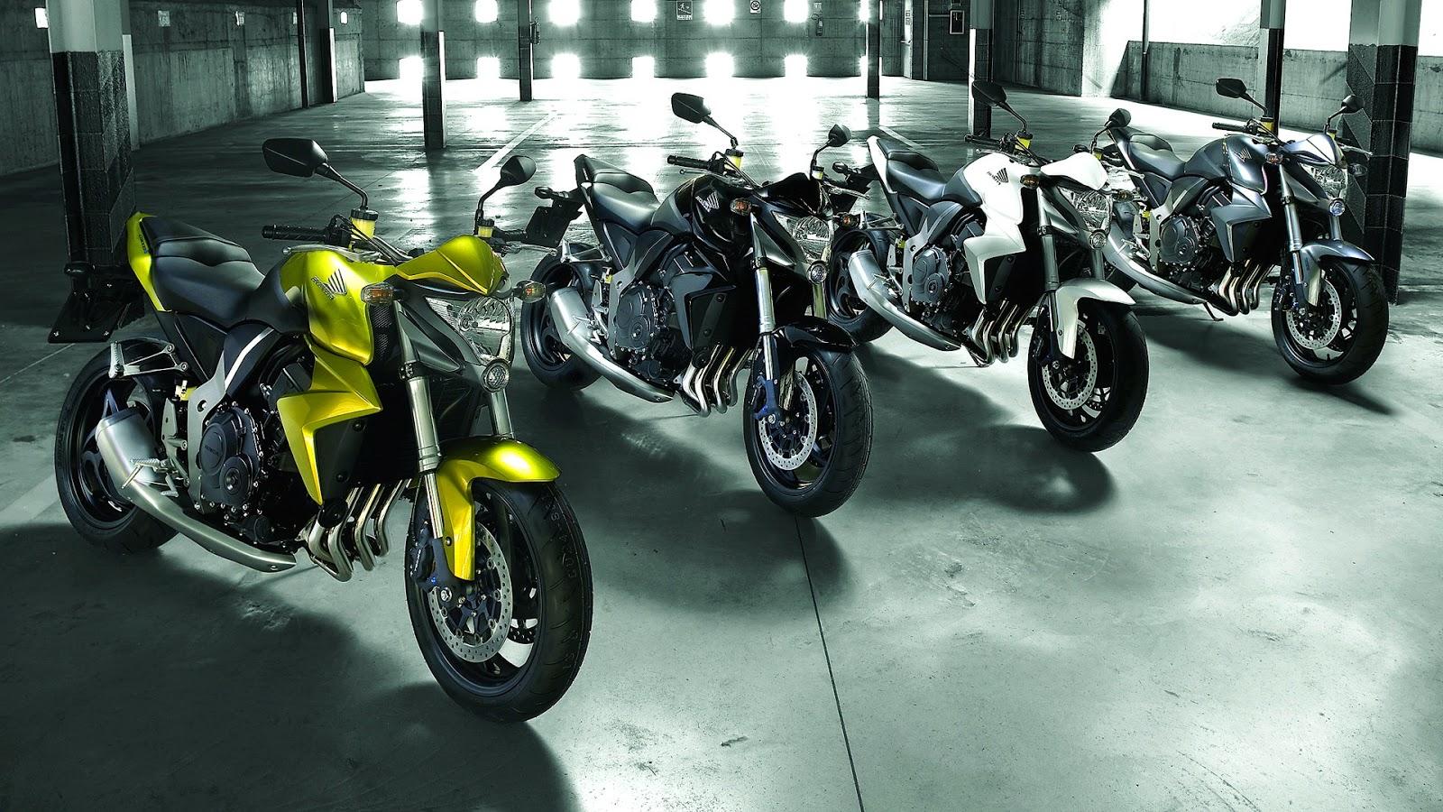 Wallpaper met Honda motoren in garage