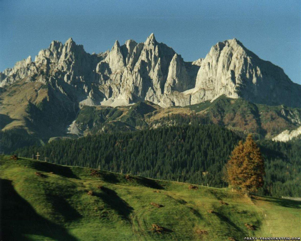 http://2.bp.blogspot.com/-s_ZgK-cxWws/TbxRrVzxV9I/AAAAAAAAADk/rG_6Zd0T-ec/s1600/landscape-wallpapers.jpg