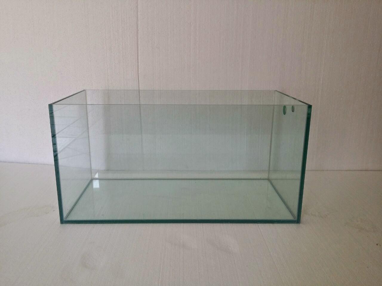 Acuarios a medida acuario de 128 litros silicona transparente for Acuarios a medida