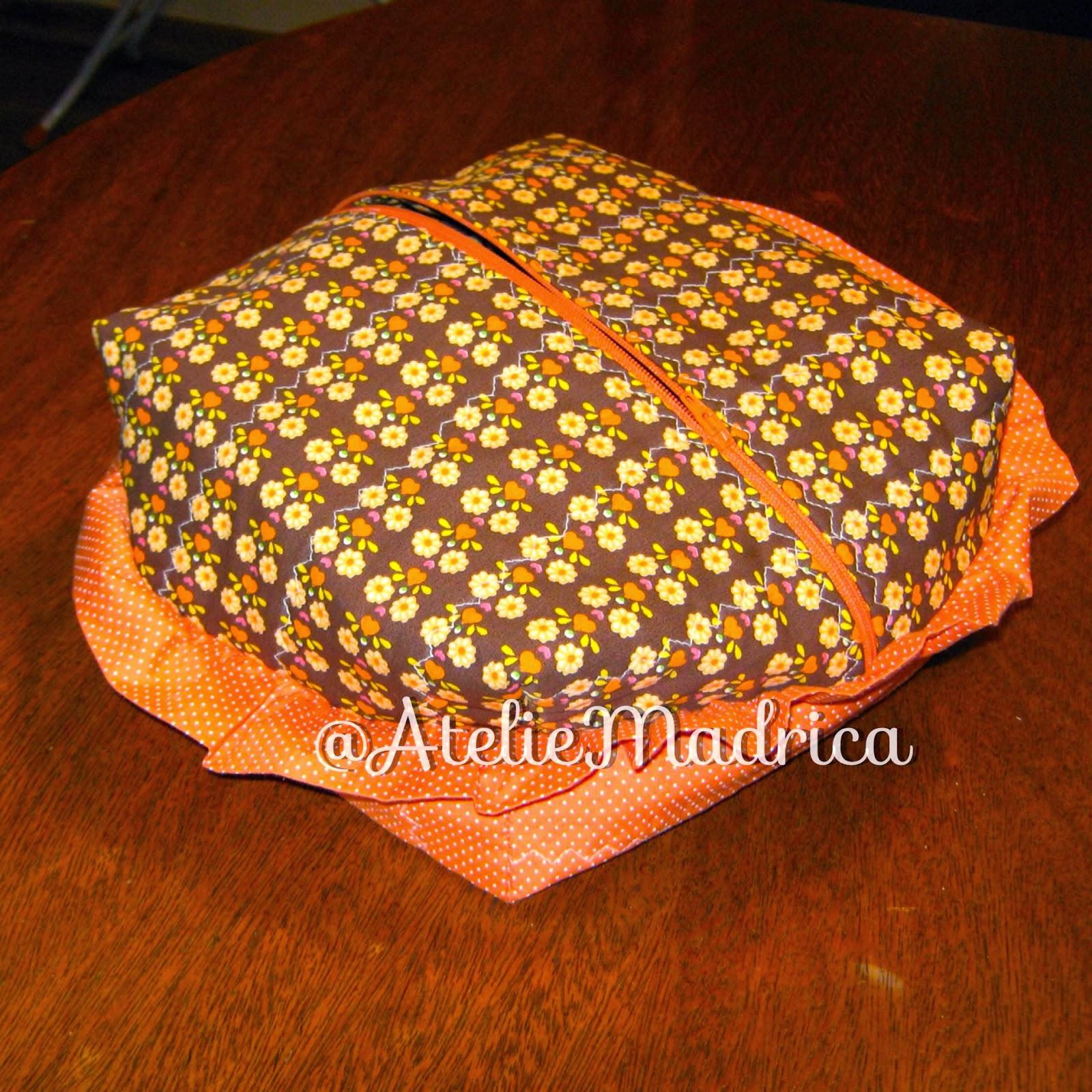 Porta pão em tecido com zíper por Ateliê Madrica