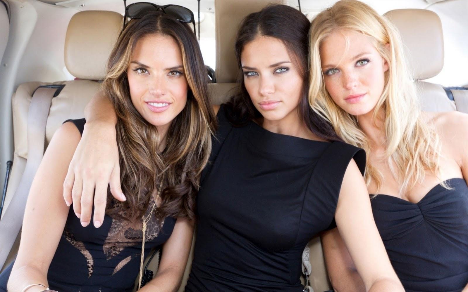 Русскую блондинку ебут трое, Трое русских парней трахают одну девушку - смотреть 2 фотография