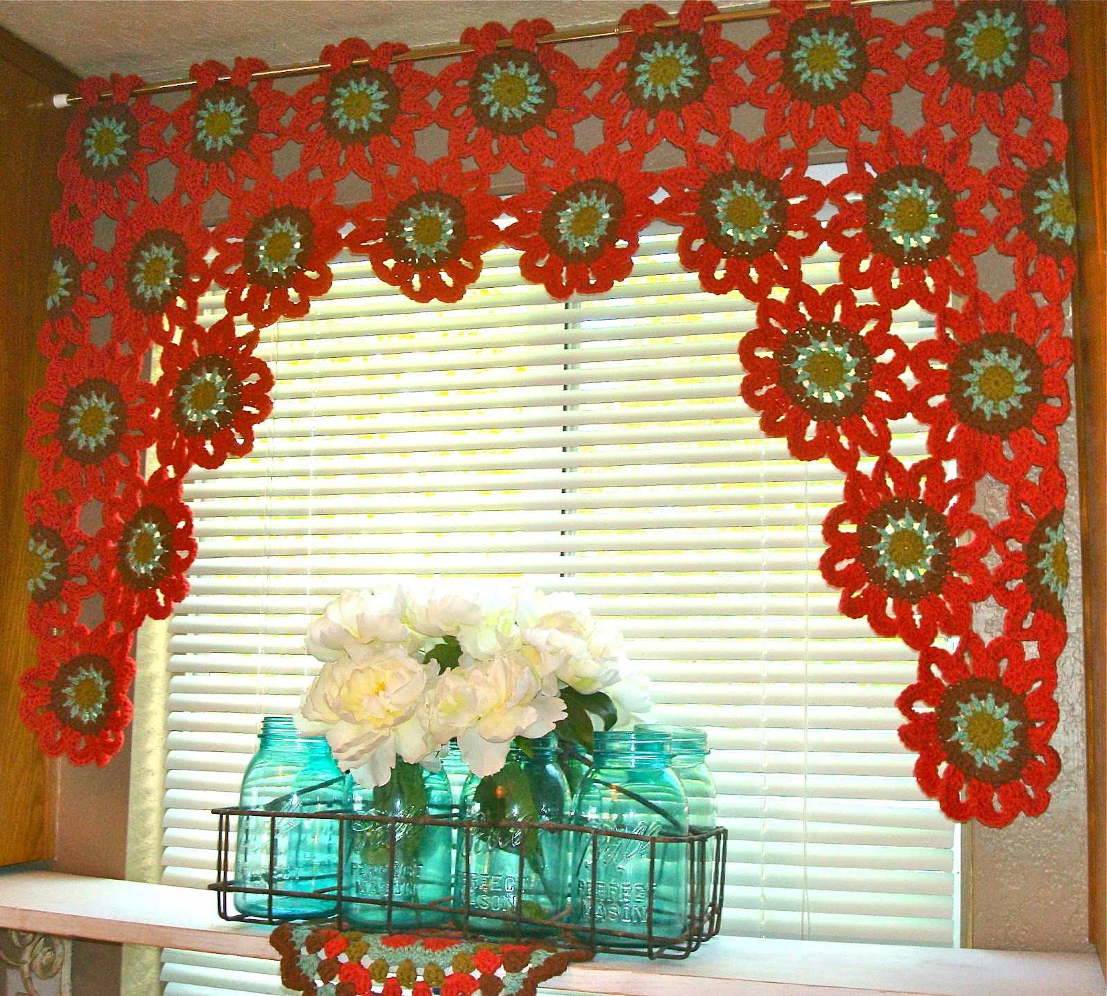 Free Crochet Pattern Flower Curtain : Once Upon A Pink Moon: Flower Power Valance Tutorial