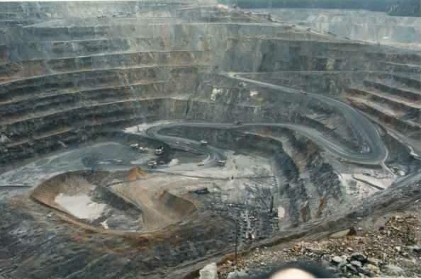 TAMBANG TERBUKA (Surface Mining)