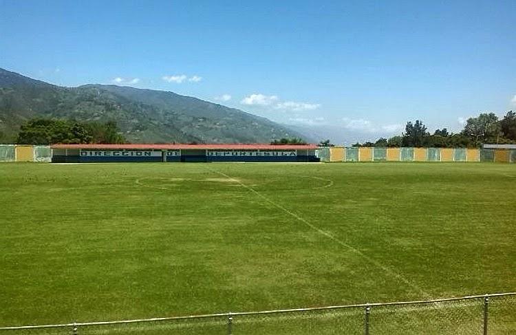 El estadio de fútbol Ulpiano Cobos fue una de las instalaciones atendidas. (Foto Cortesía de la Dirección de Deportes ULA)