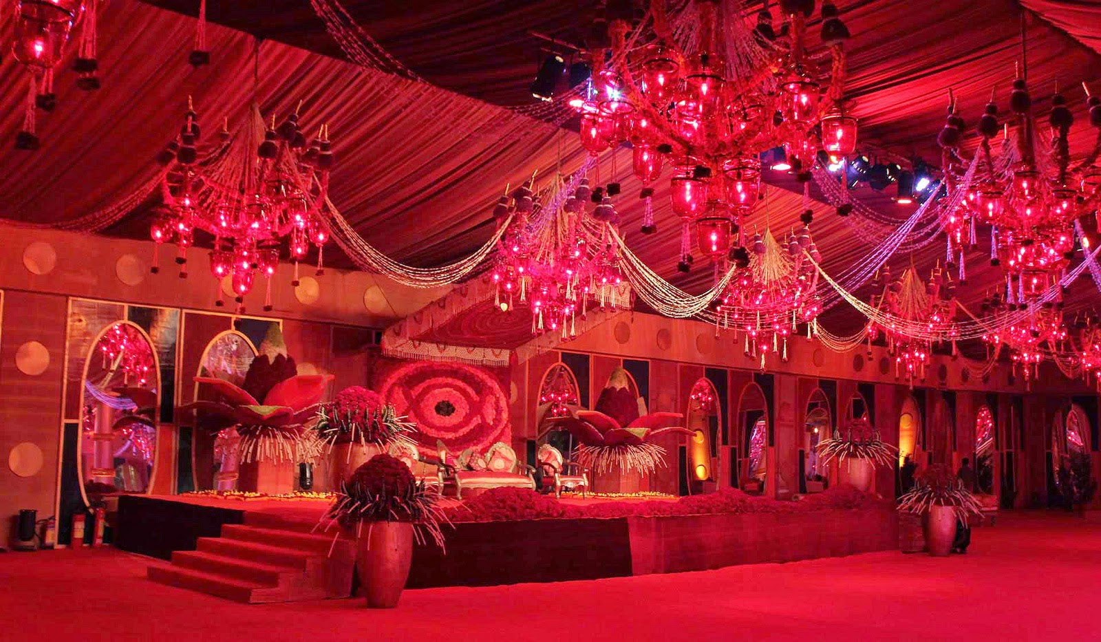 Royal Wedding Decoration How To choose Best Indian Wedding Planner