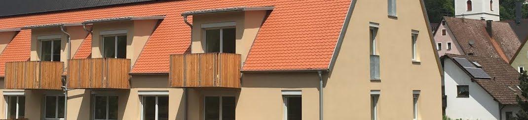 Wohngebäude mit Arztpraxis