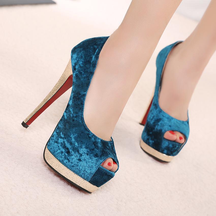 Bellos zapatos de mujer