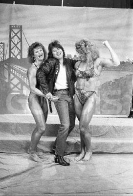 Steve Perry & female bodybuilders