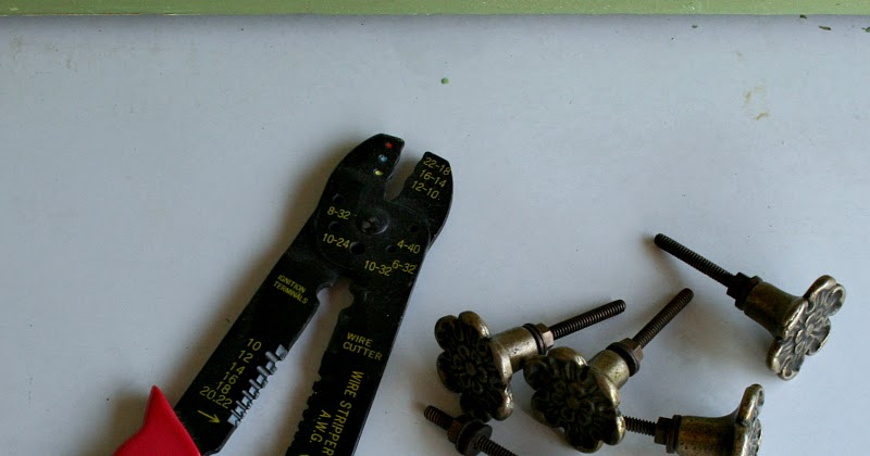 Somewhat Quirky How To Cut The Screw Post On New Knobs