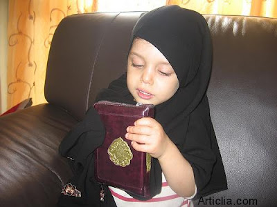 Cute Muslim babies girl pictures