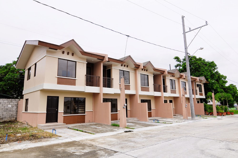 Dmci homes real estate in the philippines for sale for Double story townhouse designs