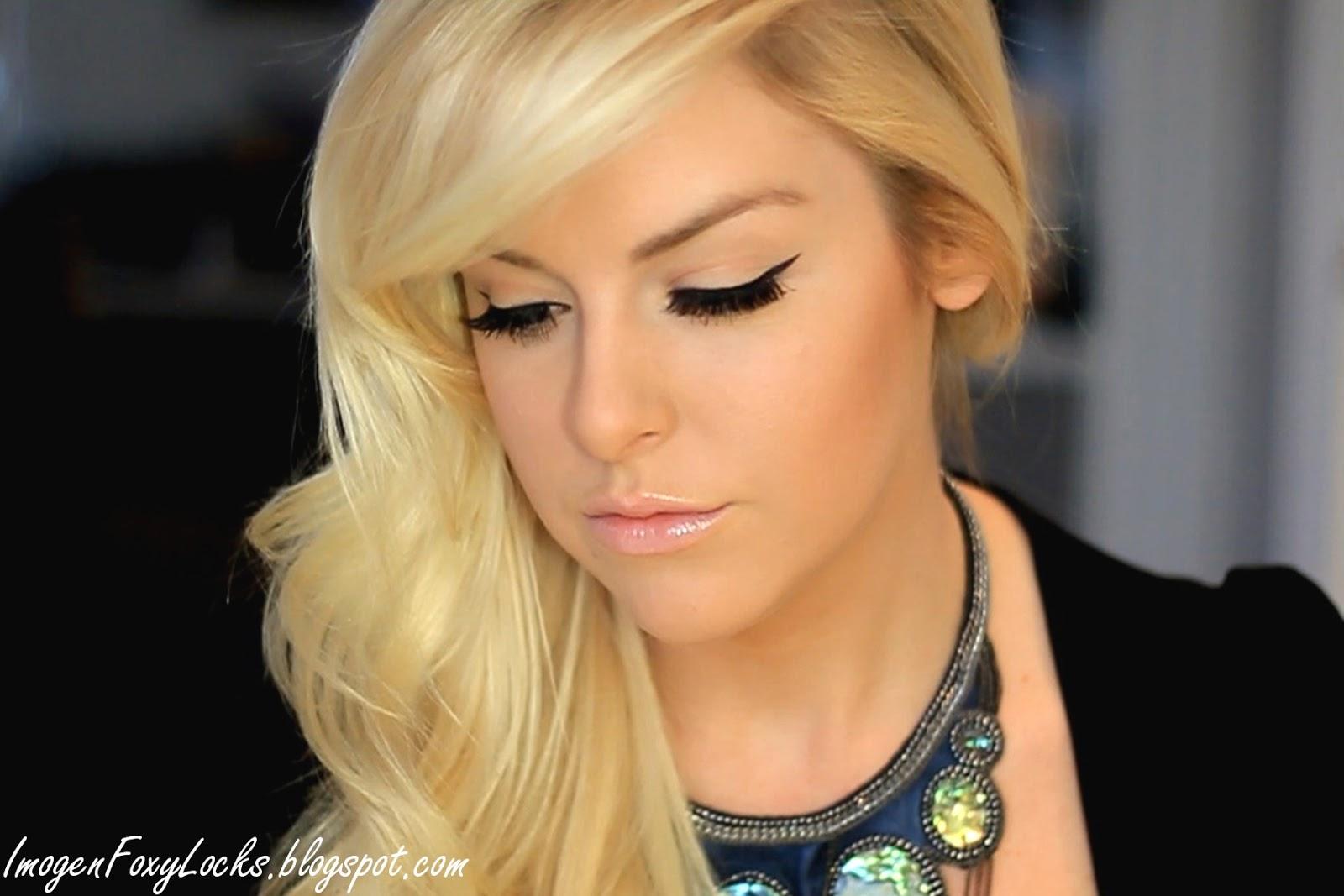 http://2.bp.blogspot.com/-sbWbQn9vvLo/TyWKwn9kPcI/AAAAAAAACJU/fc-jwAtLWIo/s1600/winged_eyeliner.jpg