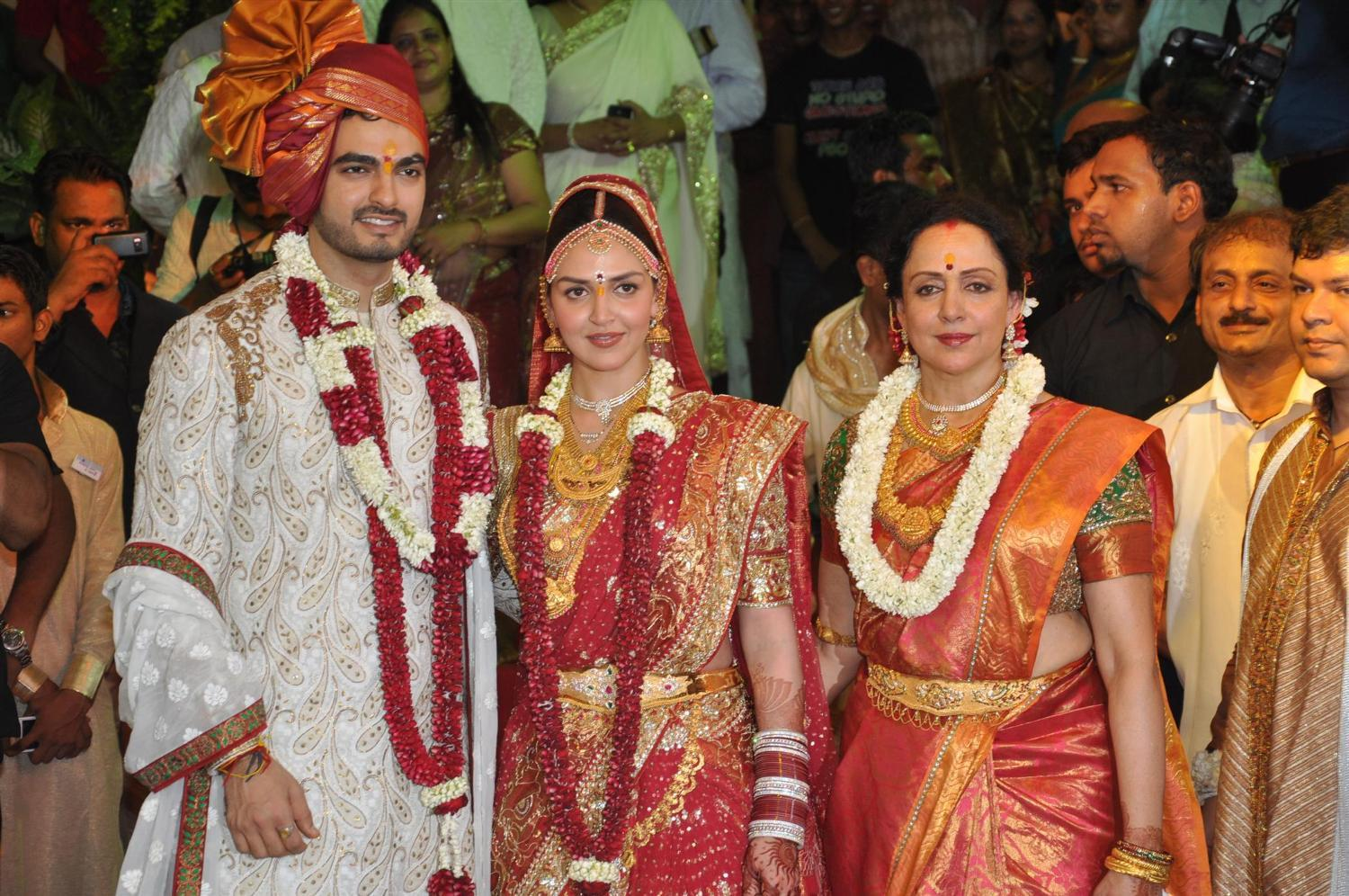 Bollywood And TV Celebrity Weddings Of 2014 - Page 1