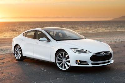 Tesla Model S (2013) Front Side