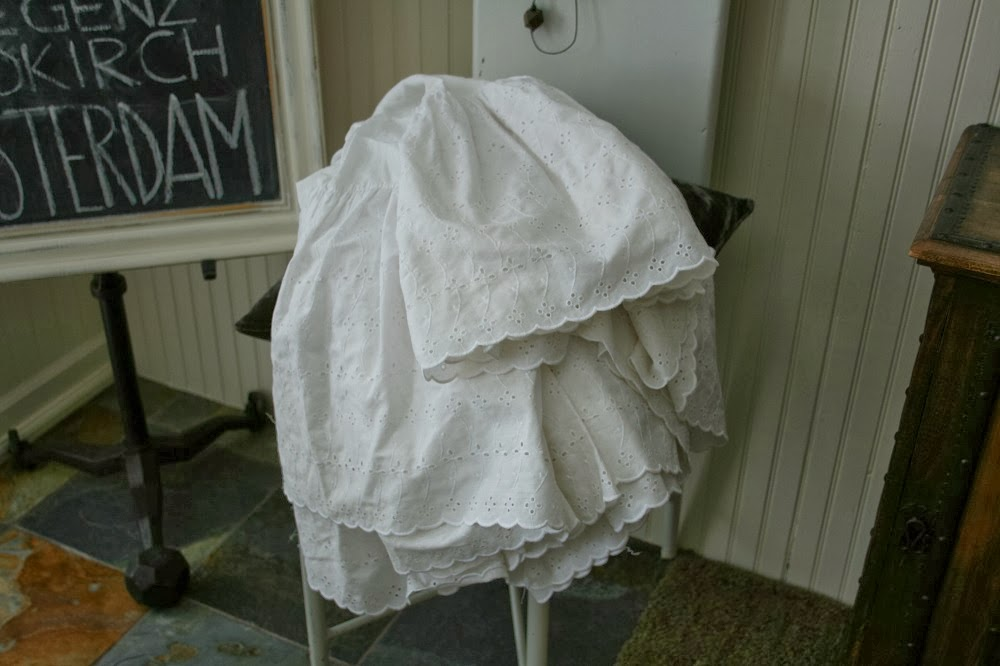 Bed skirt, eyelet lace, ruffles, bedding, fabric