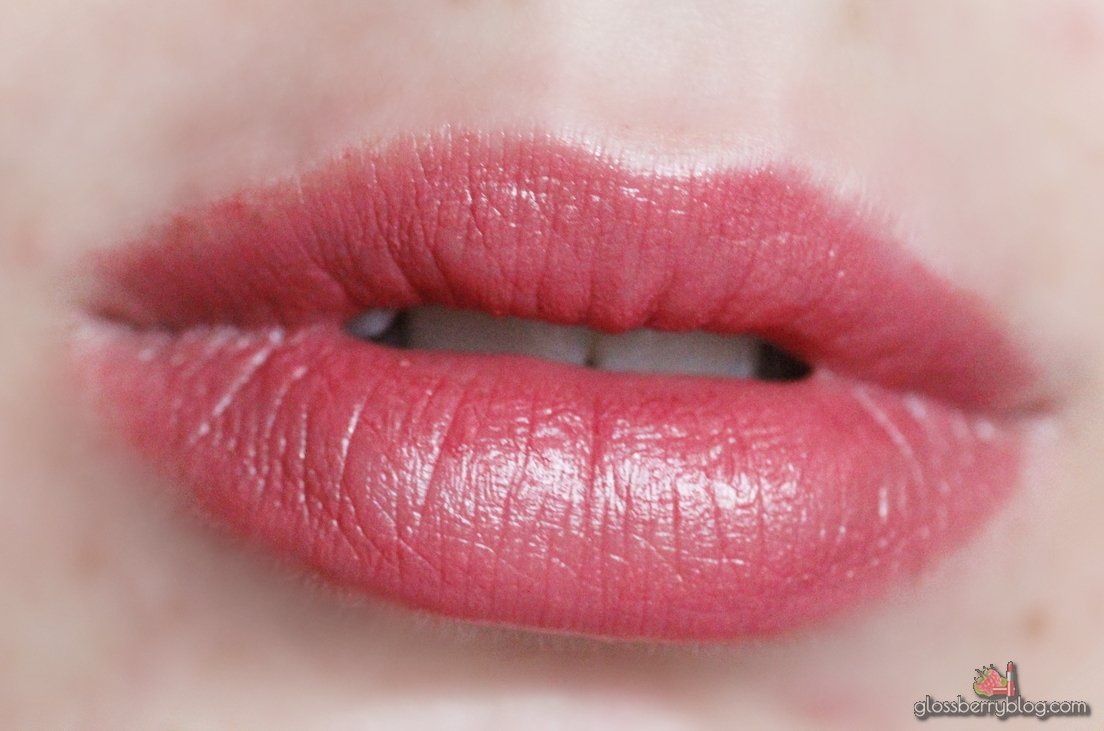 Clarins - Rouge Eclat - 17 - Pink Magnolia swatch review
