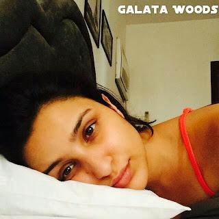 Parneeti Chopra Selfie Hot On Bed | Parneeti Chopra Feeling Sick | Images