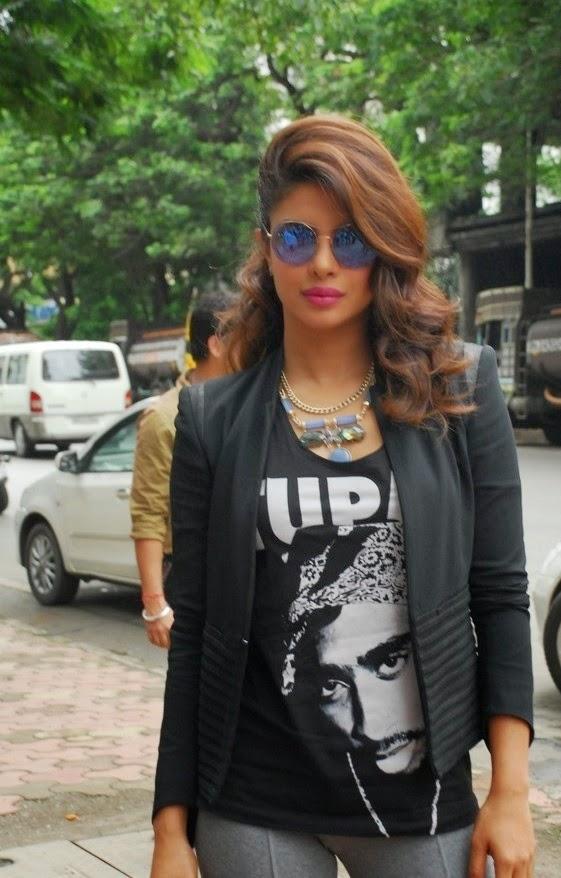 Priyanka Chopra Promotions at Reliance Digital Express Gallery