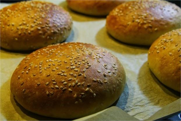 Hamburgerbrötchen, Buns