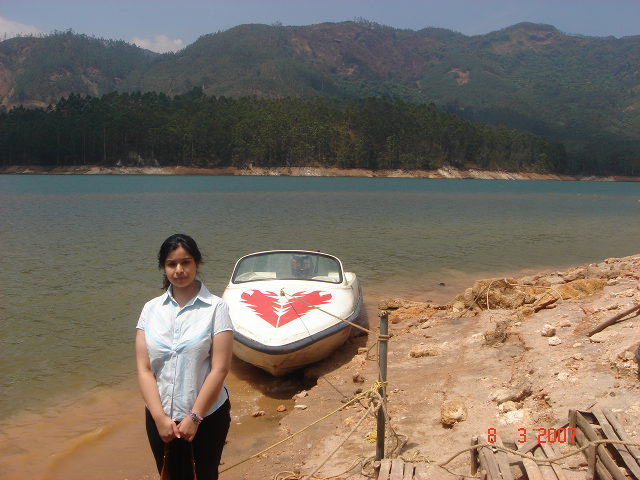 Speed Boat at Munnar Lake