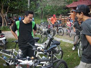 Fun Bike Pura Alas Arum 02.jpg