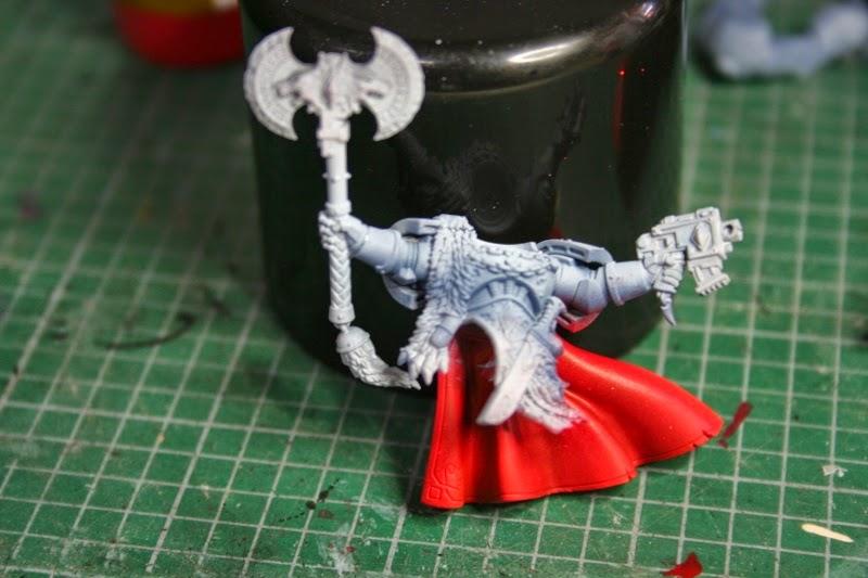 Pintado de la capa base en la capa de Krom Dragongaze