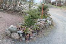Puutarhapalvelua kivitöistä ruohonleikkuuseen