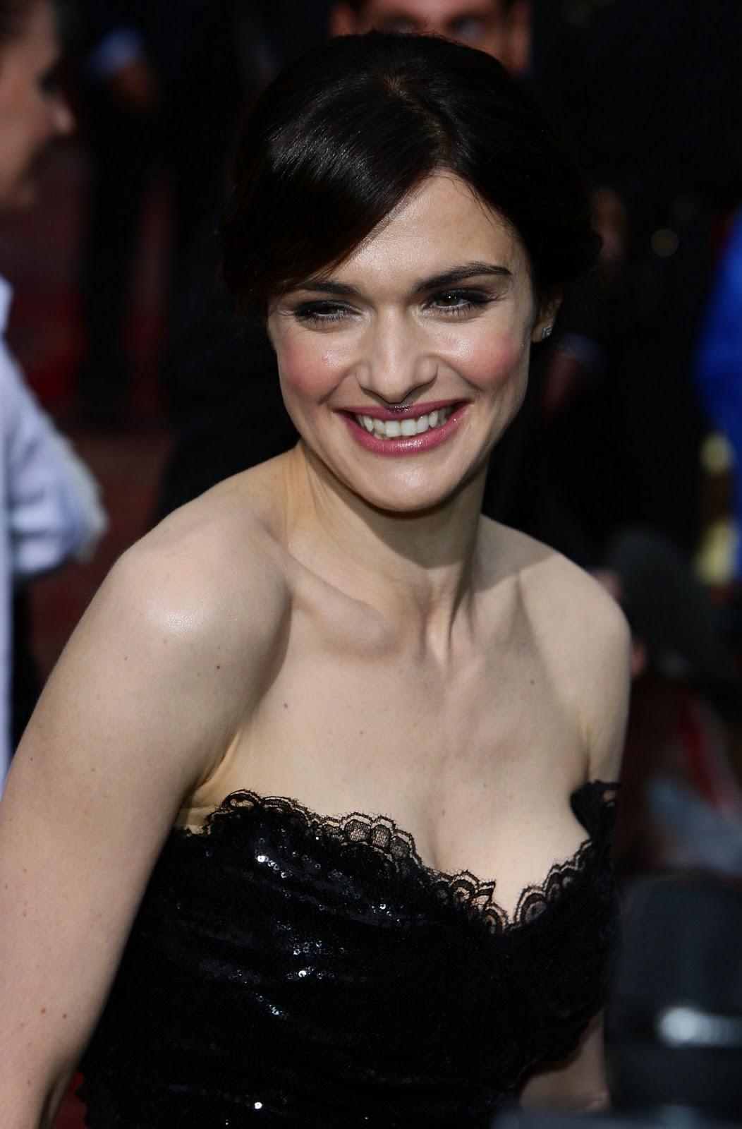 http://2.bp.blogspot.com/-sd471c5CfY4/TVb0UN8h13I/AAAAAAAAAFU/VSJ5vI0p3Sw/s1600/Rachel-Weisz-topless.jpg