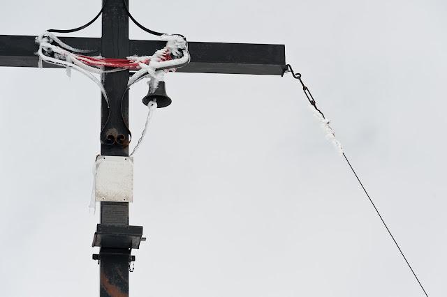 Serra di Celano, la croce di vetta