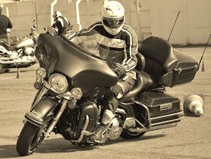 Neutralizar o peso da moto? Venha fazer o Curso de Pilotagem Defensiva