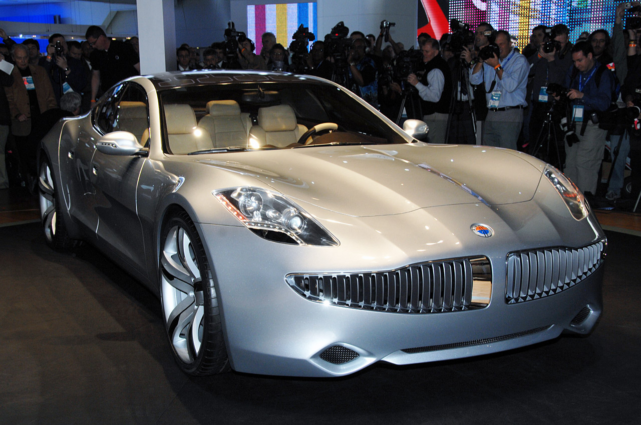 Fisker dealer sells Fisker Karma electric sports car in Chicago