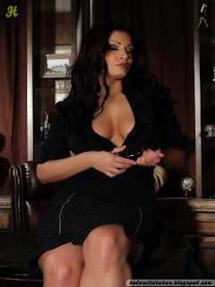Aria_Giovanni_002_hotnwildbabes.blogspot.com.jpg