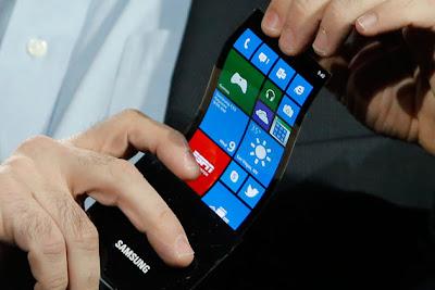 skrin lentur fleksibel youm, teknologi skrin youm samsung, gambar skrin lentur youm