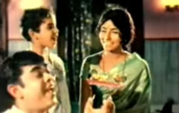Thriveni (1970) : Kezhakku kezhakkoraana Song Lyrics