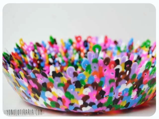 http://yonolotiraria.blogspot.com.es/2013/10/cuenco-con-hama-beads.html