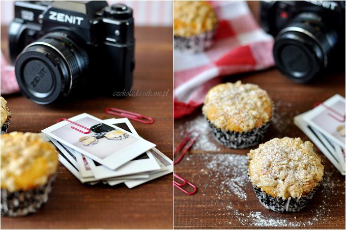 przepis, na muffiny, z rabarbarem, kruszonka