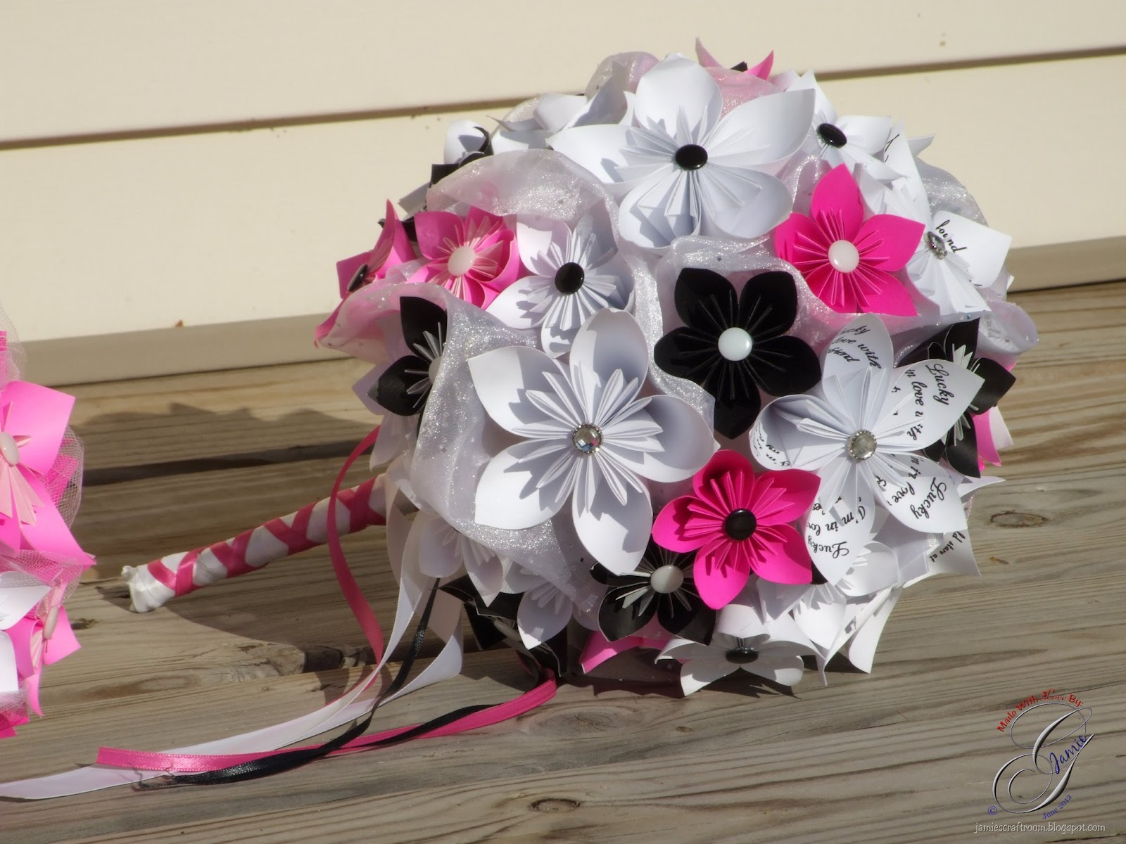 Jamie\'s Craft Room: Completed Kusudama Bridal Bouquets