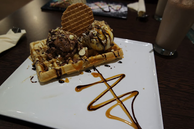 De Melo, Middlesbrough Food Review Chocolate Waffle